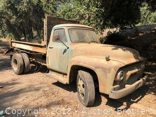 Ford F600 Dump Bed Truck