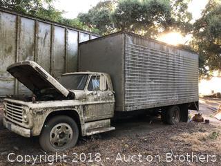 Ford 500 Box Truck