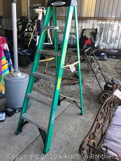 6FT Fiberglass Ladder